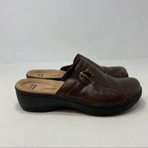 Clarks Women's Brown Slip On Shoes Size 7M